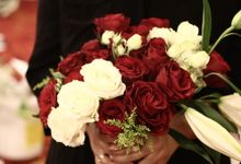 A romantic red and white Peranakan - Jawa wedding reception by Atelir KSS