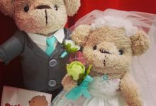 Handmade wedding bear dolls by Petite Crafts