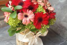 table arrangement by Defelcia Florist