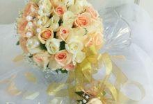 Simple Fresh flowers bridal bouquets by Roy Bouquet