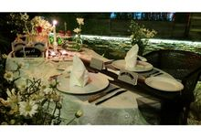 table setting for romantic dinner by Party Planner Bogor