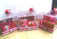 Kreasi Hias Hantaran Box Mika Thema Pink by Mahar Hantaran Medan