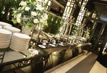 Dr Mayo and Viola Wedding at Satoo Shangrila Jakarta by Maxwell Flowers