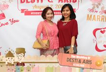 Desti & Aris by Twotone Photobooth