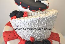 Classic Customised Wedding Cakes by Cake Avenue
