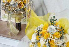 4D sunny wedding bouquet  by CONSERVÉ FLOWER PRESERVATION