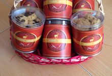Chinese New Year Hampers by Mon Reve Bakery