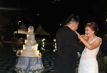 FLOATING WEDDING CAKE FOR HENDRY & CINDYA by RR CAKES