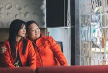 Love is about being fat together by Dekko Photography