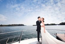 Pre-wedding shoot on yacht by ONE°15 Marina Sentosa Cove, Singapore