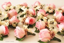 FAMILY CORSAGE by Floline Flower