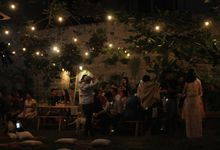 A warm and intimate evening with friends by Atelir KSS