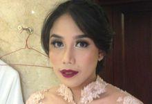 Java modern wedding by Hannah Sherly