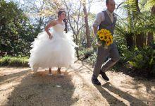 Sunflower Wedding by MaddyKhor Photography