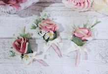 Natural Dusty Pink Boutonierre by Cup Of Love Design Studio