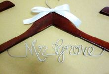Eternity by Béllicimo Personalized Hanger & Favors