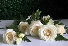 Boutonnieres & Corsages by Hana Flower Story