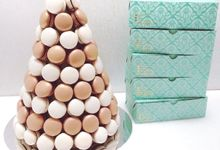 Macarons Tower by Belle et Petite