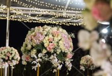 WONDERFUL WHITE WEDDING THEME by Red Gardenia