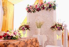 Faizah & Ken Engagement by M.D.P ( Mazzel Decoration Project )
