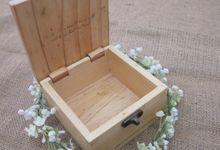 Wooden Box by Sesso