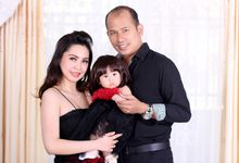 Baby Kimberly with Mom & Dad by Mr.XO
