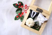 WOODEN RING BOX by Fioreplum Bouquet, Ring Bearer, Hampers
