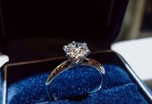 Solitaire Diamond Engagement Rings by LES PRECIEUX
