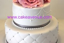 2 tier Customised Wedding Cakes by Cake Avenue