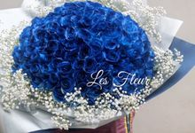 Colored Flowers by Les Fleur Flower Design