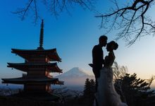 Japan Prewedding Fuji to Tokyo with sakura blooms by John15 Photography