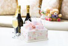 Classic Wedding Cakes by LA BONNIE PASTRIES PTE. LTD.