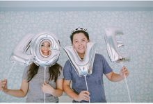 Crowns and balloons  Kraig and Queenie by Shutterfairy Photo