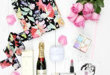 Kiss and Tell Hamper by Le Rose