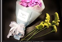 LE HYDRA AMOUR Personalized Floral Artwork by Floral Story Int