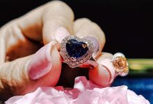 Royal Blue Heart Shape Sapphire Rose Gold Engagement Ring by LES PRECIEUX