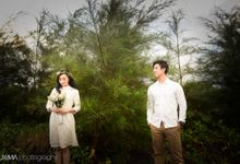Firly & Asik prewedding photo session by Luxima Photography