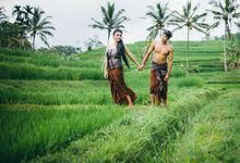 Classic Balinese Engagement by Mariyasa