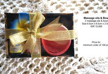 Massage Oils by Uniquely Souvenirs