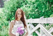 Meghan Ray Bridal Portraits by Two Wives Photography