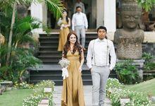 Goldrod at HendryMelina Wedding by ARTECOLA