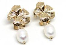 Melissa Pearl Earrings by Trinket Cove
