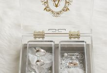 Michael & Adeline Ring Box by NINbox.box