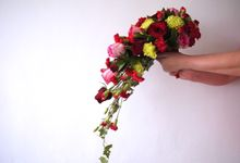Deep red rose wedding by Il Fiore