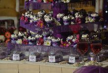 Purple Wedding Cupcakes by Diana's Kitchen