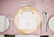 Gatsby-Inspired Gold and Glamorous Beach Wedding by The Paper Bunny