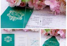 acrylic invitation by Vinas Invitation