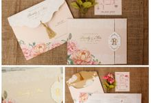 Full of flowers by Vinas Invitation
