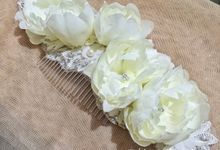 Hair Ornament by Jolies Fleurs by Jolie Flowers