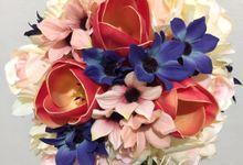 Artificial Hand Bouquet by Jolie Flowers